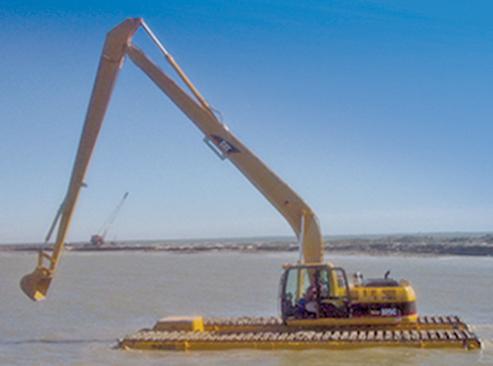 Floating Excavators for Marsh Excavation - Nationwide Equipment